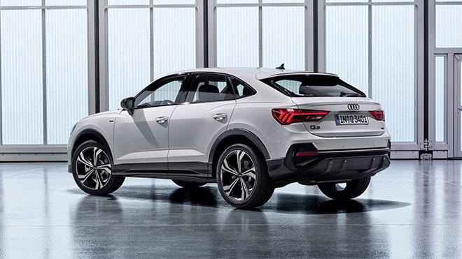 Audiq3sportback3