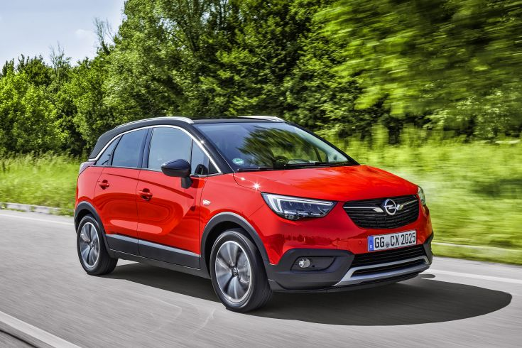Good results all around: Based on assessments of adult protection, child protection, pedestrian protection and safety assist, Euro NCAP awarded the Opel Crossland X five stars for safety.