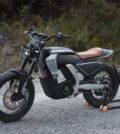 satisa-cikan-tasarimiyla-goz-dolduran-elektrikli-motosiklet-pursang-e-track-2