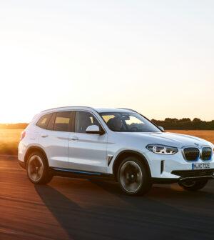Yeni-BMW-iX3-Ön