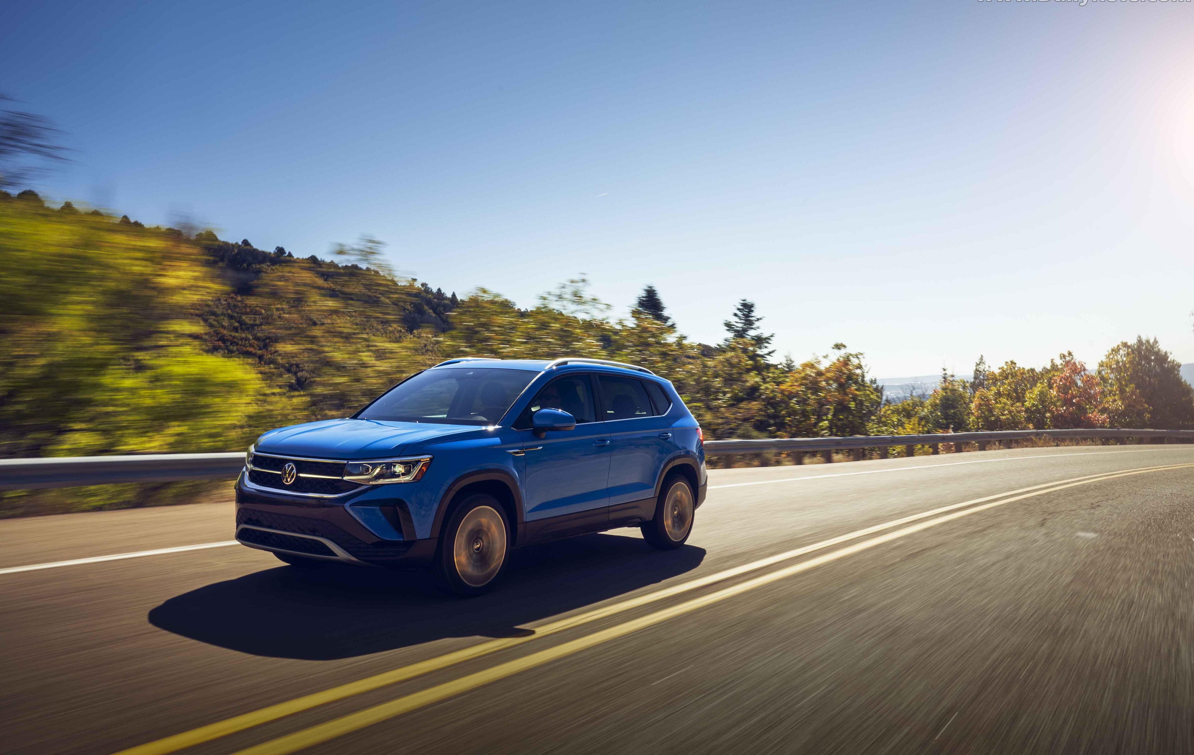 2022-Volkswagen-Taos-27