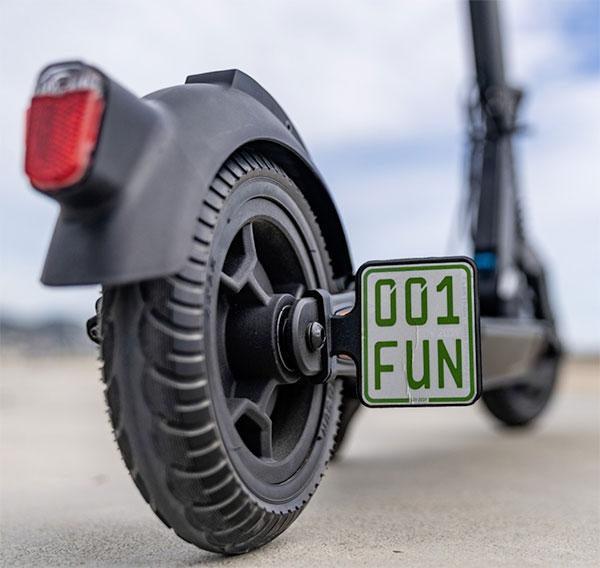 mercedesten-katlanabilir-elektrikli-scooter-escooter-video-1