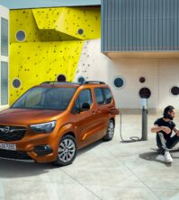 Opels-electric-family-van-doesnt-make-it-all-the-way